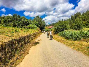 E-Bike Reisen entlang des Jakobweges - Fahren auf ruhigen abgelegenen Wegen