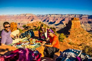 E-Bike Reisen in den USA - Picknick in der Natur am Grand Canyon