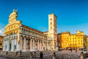 Toskana Rundreise mit dem E-Velo - St. Michael auf dem Forum in Lucca