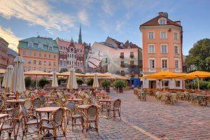 Rundreise Baltikum mit dem E-Bike - der Marktplatz in Rigas Altstadt
