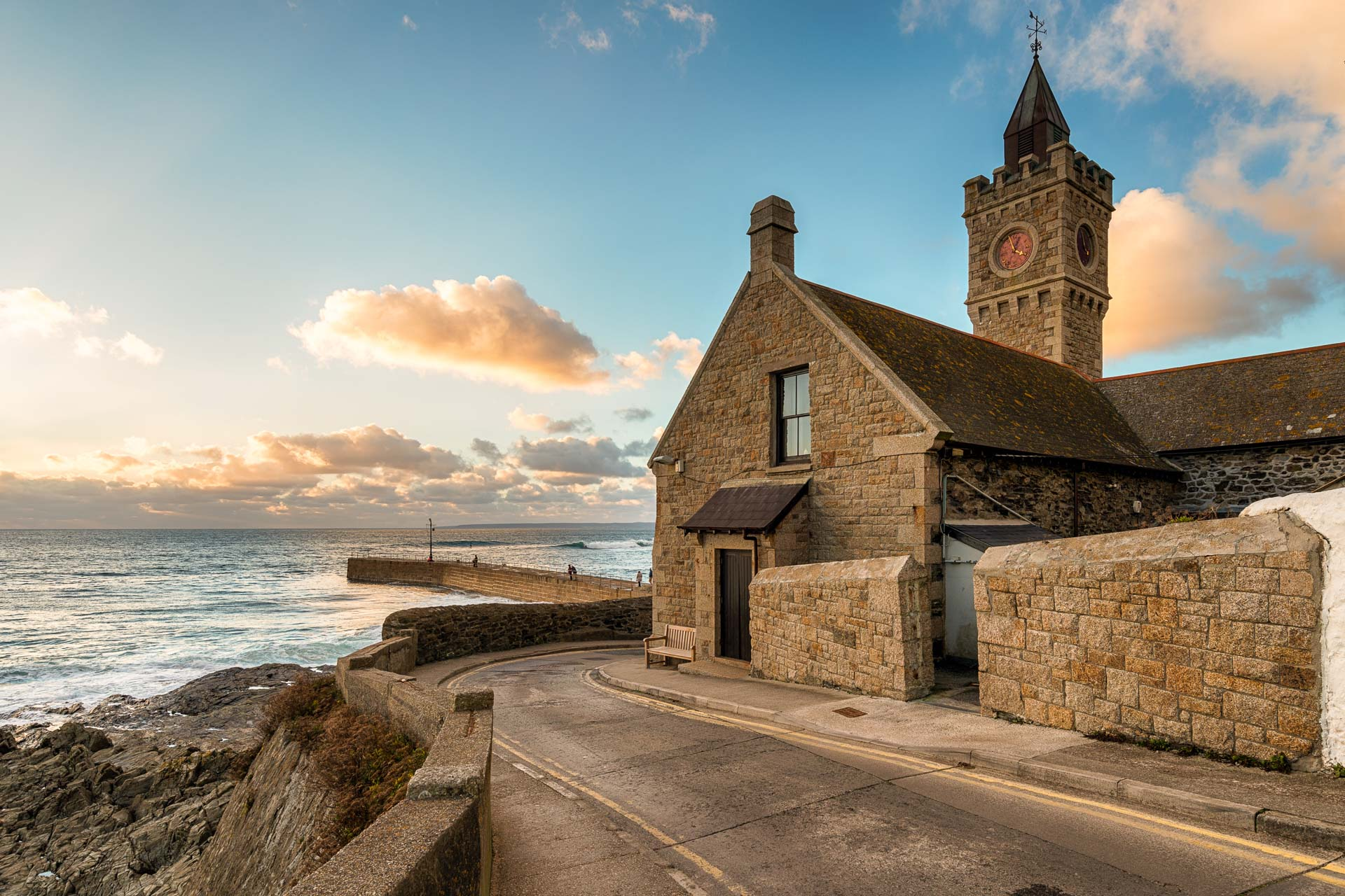 E-Bike Reisen Cornwall-Porthleven Clock Tower